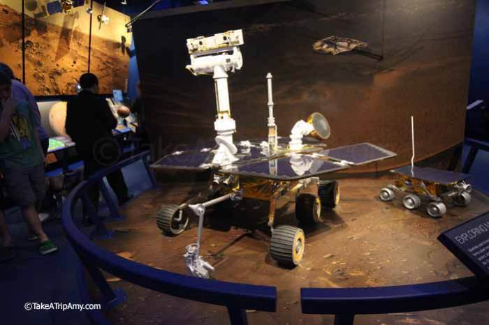 Spirit and Opportunity model (left) and Sojourner (right)